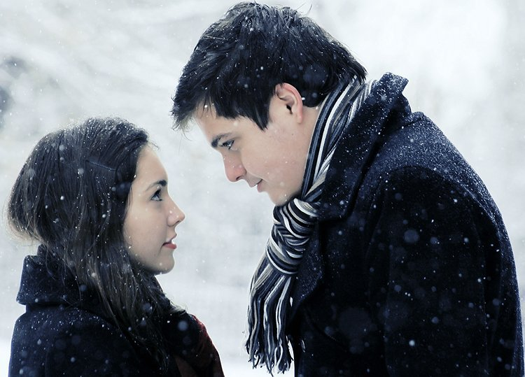 Первый поцелуй парня с девушкой