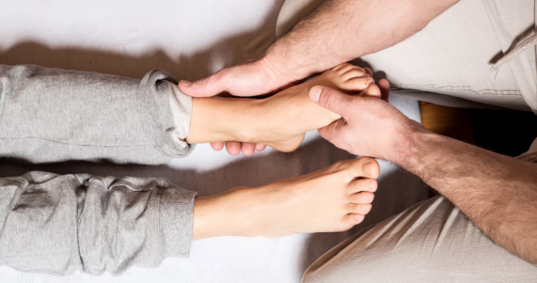 Как сделать массаж стоп?