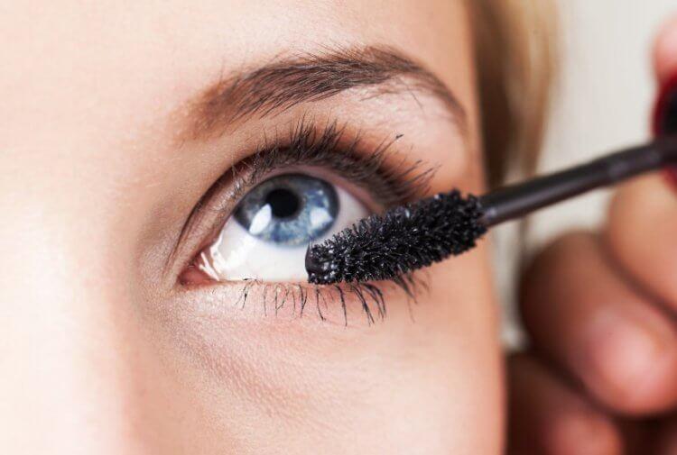 макияж под линзы