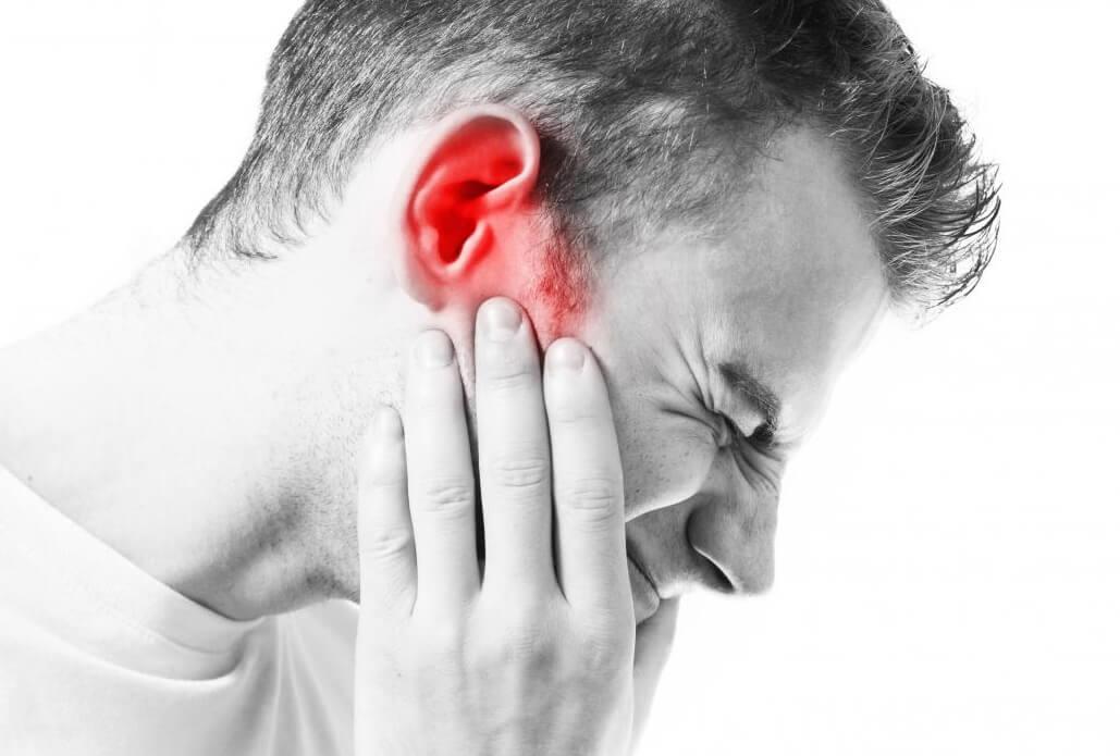 Чому «горять» вуха. Народні прикмети