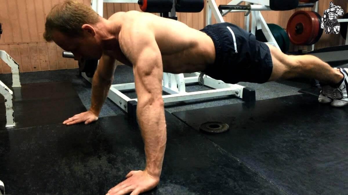 Дві вправи, які накачають всі м'язи відразу!